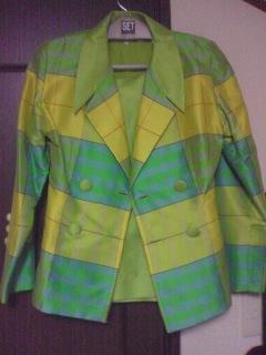 ラッキーカラースーツ.jpg